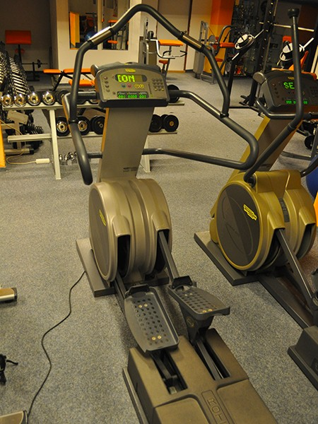 eliptical-trainer-technogym-rotex01
